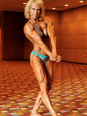 Janet Kaufman was in incredible shape as usual- impressive muscle size throughout, and ripped